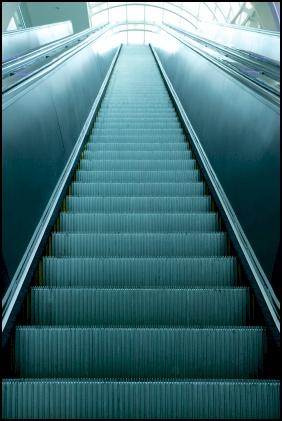 escalator using polyurethane springs